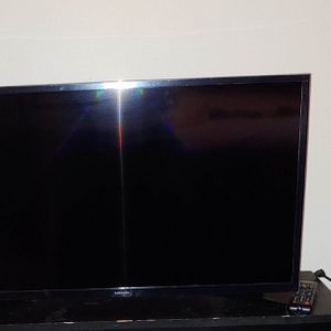 "32"" Samsung HDTV with remote for Sale in Queens, NY"