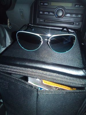 Only 100$ for 342$ Tiffany co Sunglasses for Sale in Martinez, CA