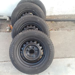 Tires 185/65/14 rims for 2002 sentra for Sale in Montclair, CA