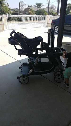Graco double stroller for Sale in Jurupa Valley, CA
