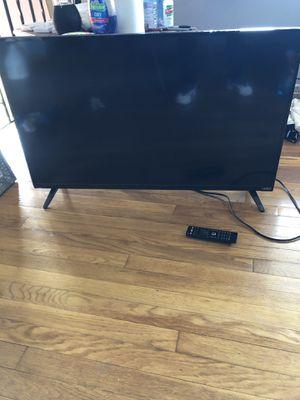 Vizio flatscreen 42 inch tv 120$ for Sale in Columbus, OH