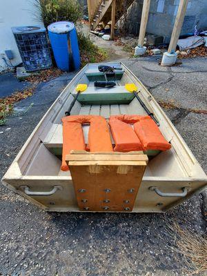 10 foot. Flat bottom boat/ John boat. for Sale in Shelton, CT
