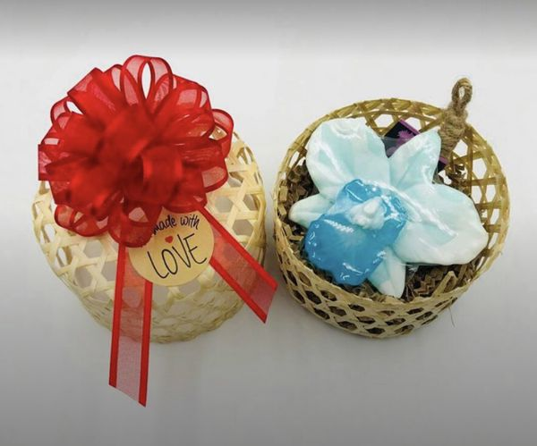 Floral Soap Deluxe Gift Baskets (Aromatherapy Handmade Gift Basket, Floral Scents)