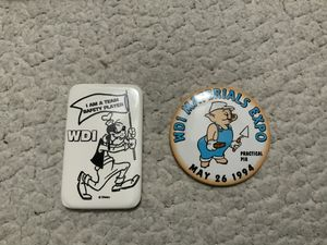 2- NEW Walt Disney WDI Materials Expo Practical Pig May 26, 1994 Button AND WDI I Am A Team Safety Player Goofy Button for Sale in Henderson, NV