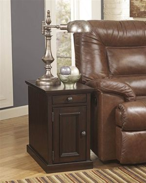 ASHLEY FURNITURE LAFLORN CHAIR SIDE END TABLE SABLE – RETAIL VALUE – $222 for Sale in McPherson, KS