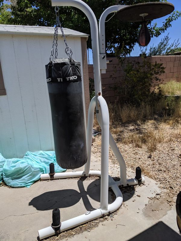 TKO Punching Bag/Stand with Speedbag