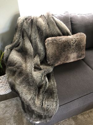 Fur blanket and pillow for Sale in Glendale, AZ