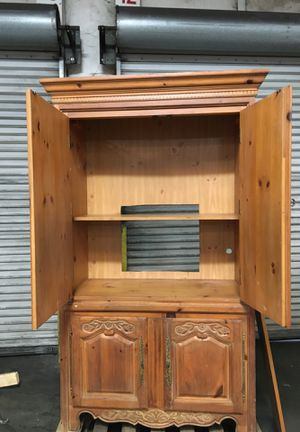 Armoire for Sale in GILLEM ENCLAVE, GA