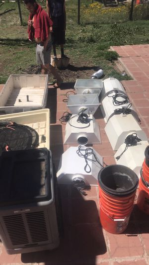Hydroponic set for Sale in Denver, CO