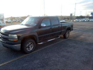 2002 Chevy Silverado 2500 4x4. 6.0 Gasoline for Sale in Wichita, KS