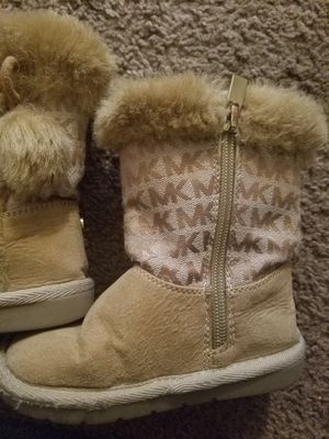 Toddler girls size 8 boots Michael kors for Sale in Groveport, OH