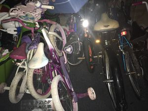 Family old bikes!! Boys and girls !!! Needs some work not much !! for Sale in Riverdale, GA