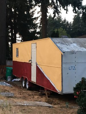 28' enclosed trailer for Sale in Portland, OR