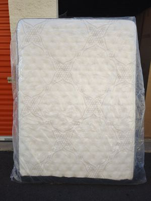 Full size Mattress & Boxspring for Sale in Puyallup, WA