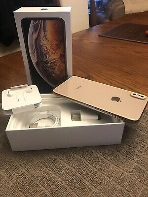 Got a new iphone 11 so im selling out my used Iphone xs max processor hexa core... No crash full accessories for Sale in San Jose, CA