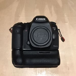 Canon 5Dmk3 for Sale in Buffalo, NY