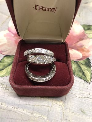 Gorgeous!!! 925 stamped Sterling Silver Brilliant White Sapphires Engagement/Wedding Ring💍 Sz7,8 for Sale in Franklin Park, IL