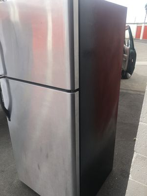 Kenmore fridge top freezer stainless steel nice and beautiful for Sale in Los Angeles, CA