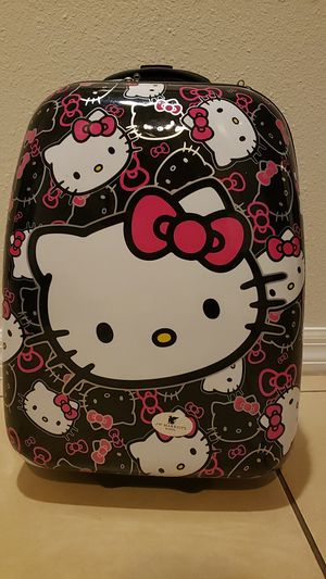 Hello Kitty carry on for Sale in Orlando, FL