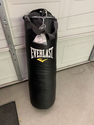 Everest heavy bag 70 pounds brand new for Sale in Phoenix, AZ