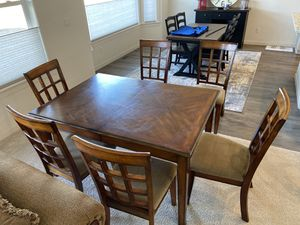 Kitchen table with 6 chairs with matching China hutch for Sale in Ellensburg, WA