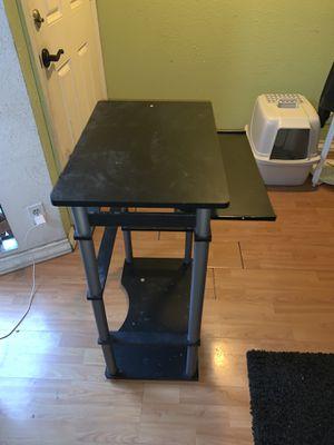 Desk for Sale in La Puente, CA