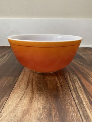 Vintage Pyrex bowl for Sale in Long Beach, CA
