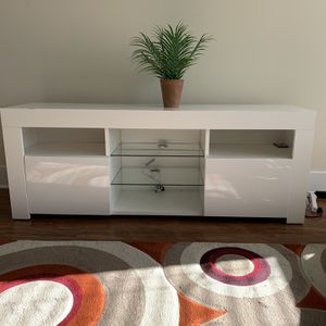 Beautiful White TV Stand for Sale in Cary, NC