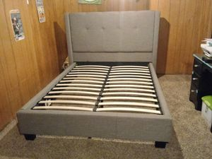 Queen bed frame for Sale in Spokane, WA