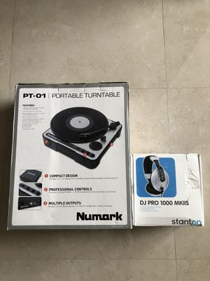 Turntable for Sale in Hialeah, FL