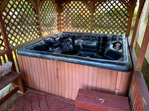 Hot tub need gone today! for Sale in Virginia Beach, VA