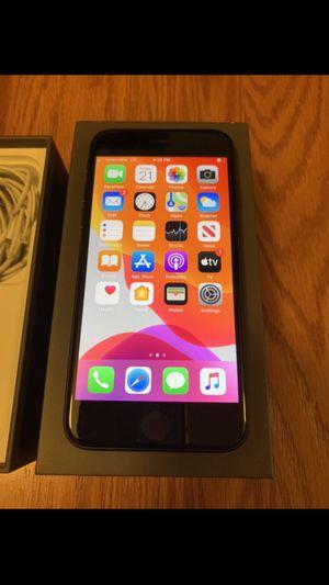 iPhone 8 64 GB UNLOCKED WORLDWIDE for Sale in El Cajon, CA