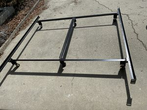 King or queen bed frame for Sale in St. Petersburg, FL