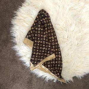 Louis Vuitton Scarf for Sale in Las Vegas, NV