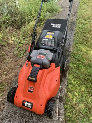 Black and Decker Electric Cordless Mower for Sale in Gresham, OR
