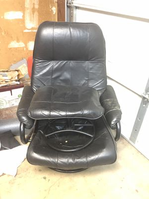 NO HOLDS Free furniture PICK UP info in description for Sale in San Diego, CA