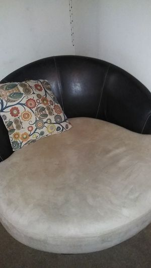 Round Chair for Sale in Wichita, KS
