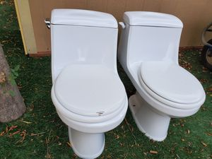 Free toilets for Sale in Milpitas, CA