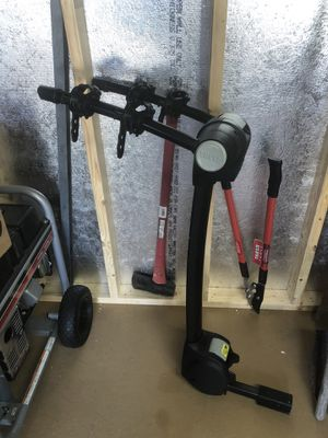 Thule hitch mount bike rack for Sale in Chesapeake, VA