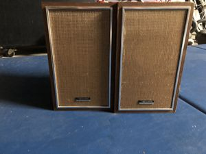 Vintage bookshelf speakers for Sale in Fresno, CA