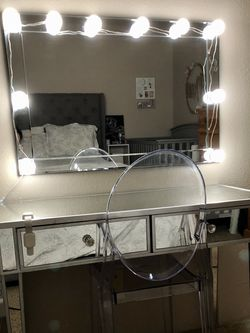 Mirrored Vanity Table With Mirror And Clear Chair for Sale in Lynnwood,  WA