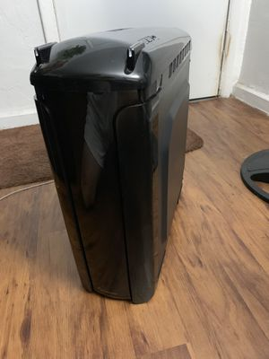 Custom build pc looking to sell for or potentially trade for a laptop for Sale in Hialeah, FL