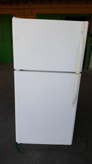 Kenmore Refrigerator for Sale in Dinuba, CA