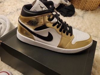 Jordan 1 Mid Gold Toes for Sale in Vancouver,  WA