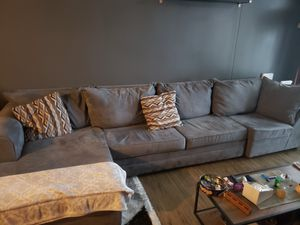 Oversized Sectional w/full memory foam pull out bed!! for Sale in Jersey City, NJ