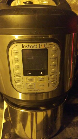 Instant Hot Pressure cooker for Sale in Palmdale, CA