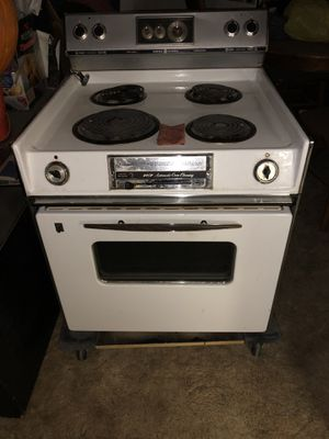 """GE 27"""" Stovetop/Oven great size for 5th Wheel or RV. Works fine. It is a Drop-In. for Sale in Lubbock, TX"""