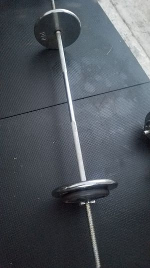 ( EXERCISE FITNESS 365 ) STANDARD BARBELL/CURL BAR WITH 70 LBS for Sale in Long Beach, CA
