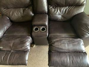Beautiful Cozy Couch for Sale in Peoria, IL