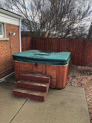 """Hot tub """"4-5 seater"""" Catalina spas for Sale in Dearborn Heights, MI"""